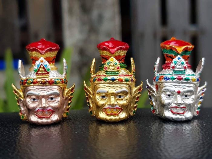 รุ่น เศียรบรมครูปู่ฤาษี บูชาครู๙๙ หลวงปู่พัฒน์ วัดห้วยด้วน (วัดธารทหาร)